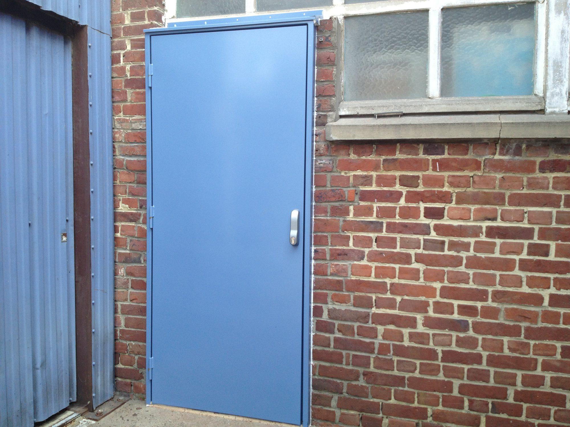Porte issue de secours acier sur mesure somaferm - Porte de cave sur mesure ...