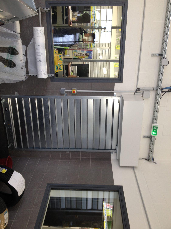 Rideau Metallique Separation Atelier Feu Vert Somaferm