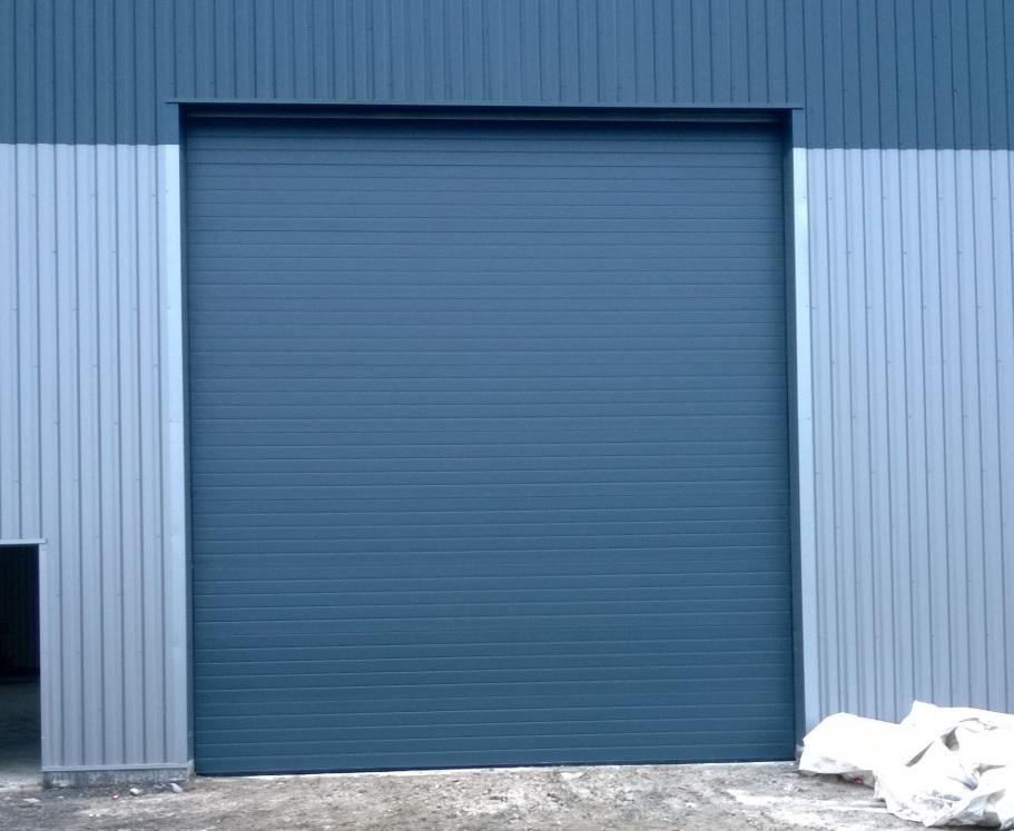 porte sectionnelle porte de garage sectionnelle avec porte de service porte sectionnelle 40. Black Bedroom Furniture Sets. Home Design Ideas